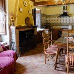 Cocina y Chimenea Casa Rural Mas els Vilars